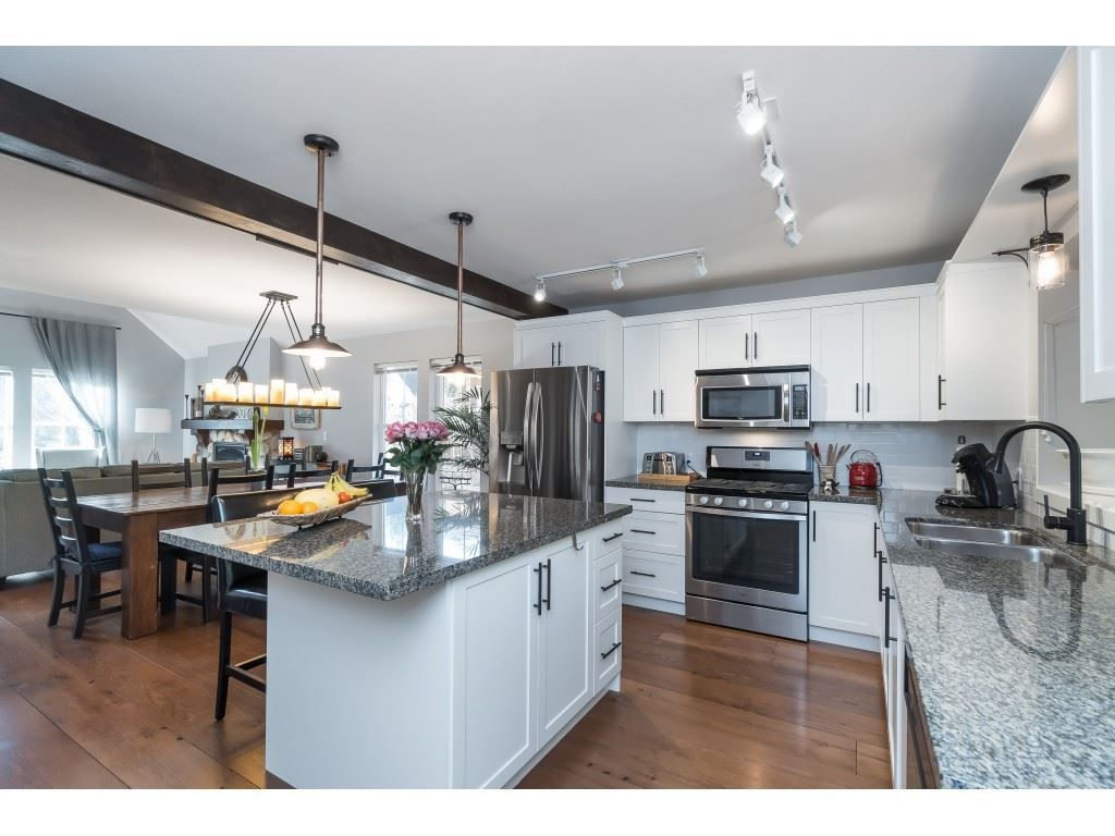 Photo 8: Photos: 1873 BLACKBERRY Lane: Lindell Beach House for sale (Cultus Lake)  : MLS®# R2437543