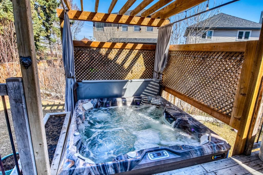 Photo 26: Photos: 66 Bridlerange Circle SW in Calgary: Bridlewood Detached for sale : MLS®# A1099758