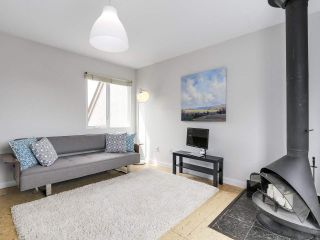 """Photo 5: 58 870 W 7TH Avenue in Vancouver: Fairview VW Townhouse for sale in """"Laurel Court"""" (Vancouver West)  : MLS®# R2169394"""