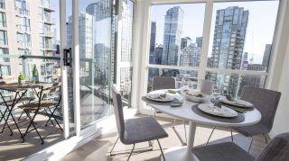 "Photo 8: 2202 939 HOMER Street in Vancouver: Yaletown Condo for sale in ""PINNACLE"" (Vancouver West)  : MLS®# R2183796"