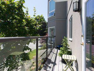 """Photo 12: 202 2110 CORNWALL Avenue in Vancouver: Kitsilano Condo for sale in """"SEAGATE VILLA"""" (Vancouver West)  : MLS®# V1016323"""