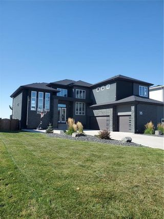 Photo 1: 35 Yorkvalley Way in Winnipeg: South Pointe Residential for sale (1R)  : MLS®# 202123698