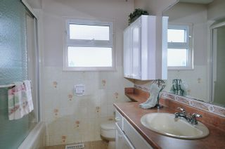 "Photo 16: 20875 125TH Avenue in Maple Ridge: Northwest Maple Ridge House for sale in ""CHILCOTIN"" : MLS®# V890482"
