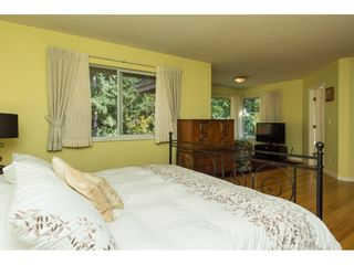 """Photo 13: 15022 SEMIAHMOO Place in Surrey: Sunnyside Park Surrey House for sale in """"Semiahmoo Wynd"""" (South Surrey White Rock)  : MLS®# R2115497"""
