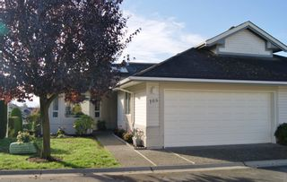 "Photo 2: 105 31406 UPPER MACLURE Road in Abbotsford: Abbotsford West Townhouse for sale in ""Estates of Ellwood"" : MLS®# R2118319"