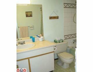 """Photo 20: 206 10698 151A Street in Surrey: Guildford Condo for sale in """"LINCOLN'S HILL"""" (North Surrey)  : MLS®# F1000089"""