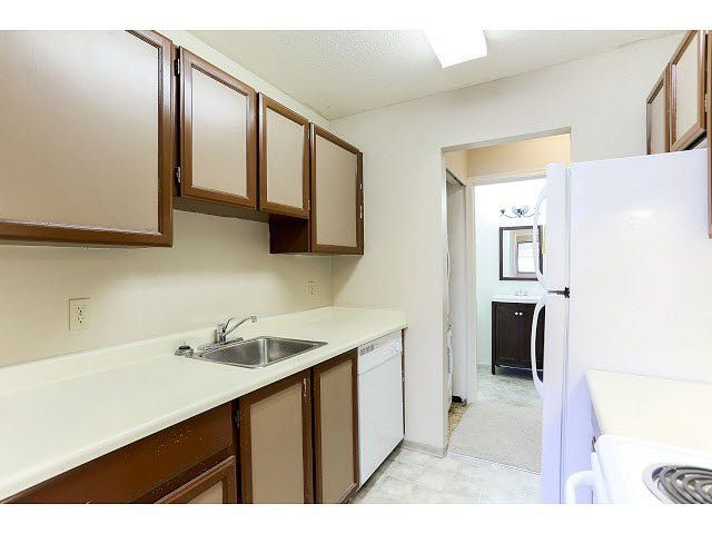 Photo 11: Photos: 202 6460 CASSIE Avenue in Burnaby: Metrotown Condo for sale (Burnaby South)  : MLS®# V1111832