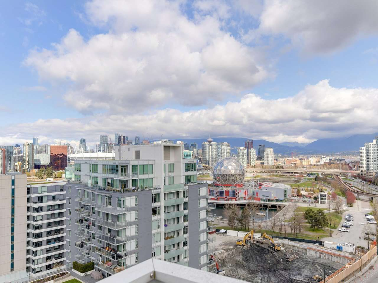 """Main Photo: 1806 111 E 1ST Avenue in Vancouver: Mount Pleasant VE Condo for sale in """"BLOCK 100"""" (Vancouver East)  : MLS®# R2614472"""