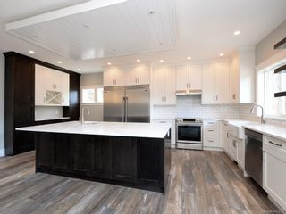 Photo 3: 924 Blakeon Pl in : La Olympic View House for sale (Langford)  : MLS®# 861335