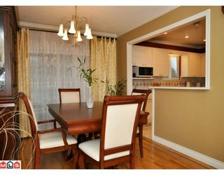 Photo 3: 17085 61A Avenue in Surrey: Cloverdale BC House for sale (Cloverdale)  : MLS®# F1004959