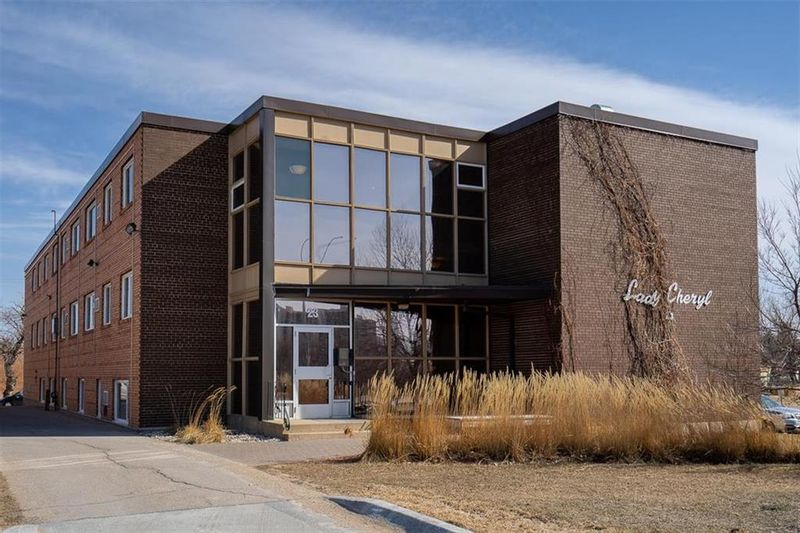 FEATURED LISTING: 103 - 23 Lyndale Drive Winnipeg