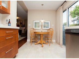 """Photo 7: 111 12044 S BOUNDARY Drive in Surrey: Panorama Ridge Townhouse for sale in """"Parkwynd"""" : MLS®# F1412890"""