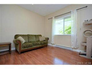 Photo 8: 108 951 Goldstream Ave in VICTORIA: La Langford Proper Row/Townhouse for sale (Langford)  : MLS®# 672174
