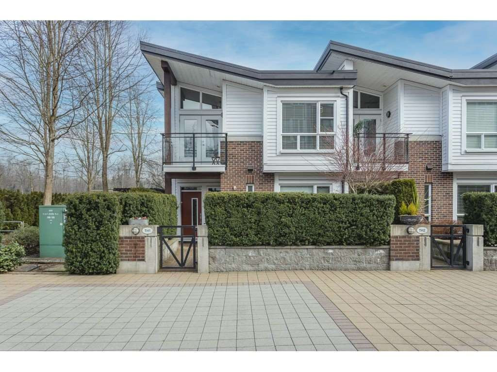 """Main Photo: 1 23215 BILLY BROWN Road in Langley: Fort Langley Townhouse for sale in """"WATERFRONT AT BEDFORD LANDING"""" : MLS®# R2546893"""