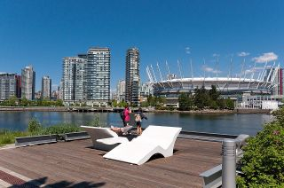 """Photo 36: 528 1783 MANITOBA Street in Vancouver: False Creek Condo for sale in """"Residences at West"""" (Vancouver West)  : MLS®# R2595306"""