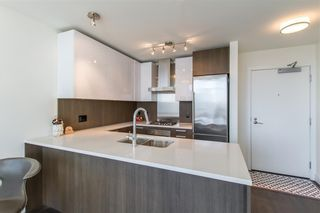 """Photo 6: 2903 3007 GLEN Drive in Coquitlam: North Coquitlam Condo for sale in """"Evergreen"""" : MLS®# R2409385"""