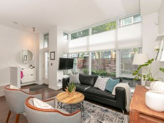 """Photo 7: 1839 CROWE Street in Vancouver: False Creek Townhouse for sale in """"FOUNDRY"""" (Vancouver West)  : MLS®# R2277227"""