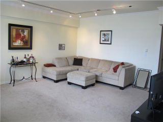Photo 2: 102 98 10TH Street in New Westminster: Downtown NW Condo for sale : MLS®# V946343