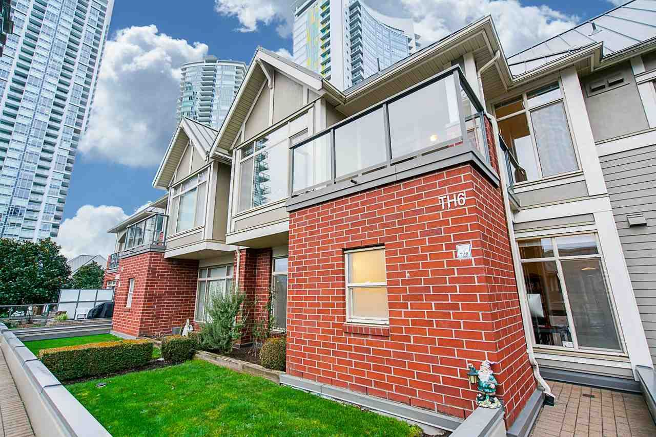 Main Photo: Listing provided by RE/MAX Crest Realty and Sutton Centre Realty