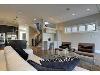 Photo 10: 3332 40 Street SW in CALGARY: Glenbrook Residential Attached for sale (Calgary)  : MLS®# C3548100