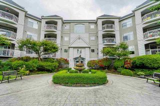 """Photo 2: 115 5677 208 Street in Langley: Langley City Condo for sale in """"Ivy Lea"""" : MLS®# R2591041"""