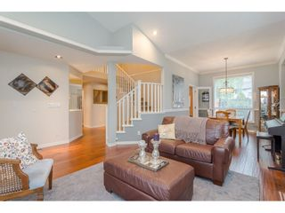 """Photo 4: 18276 69 Avenue in Surrey: Cloverdale BC House for sale in """"Cloverwoods"""" (Cloverdale)  : MLS®# R2369738"""