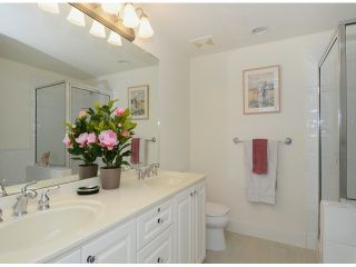 """Photo 10: 302 3088 W 41ST Avenue in Vancouver: Kerrisdale Condo for sale in """"THE LANESBOROUGH"""" (Vancouver West)  : MLS®# V1056854"""