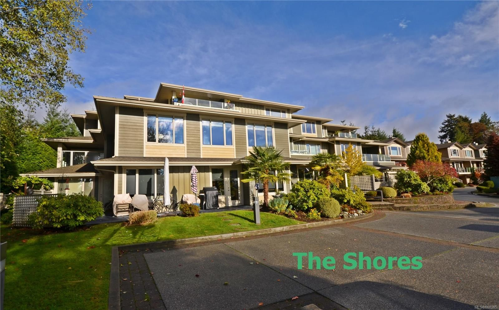 Main Photo: 103 3032 Waterstone Way in : Na Departure Bay Condo for sale (Nanaimo)  : MLS®# 860285