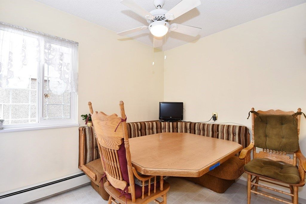 Photo 9: Photos: 2451 PARKER Street in Vancouver: Renfrew VE House for sale (Vancouver East)  : MLS®# R2160159