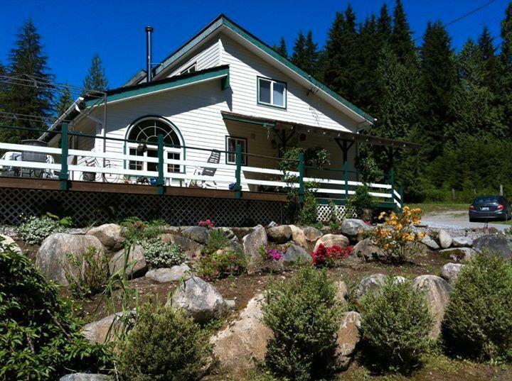 Main Photo: 11321 284TH Street in Maple Ridge: Whonnock House for sale : MLS®# v1087867