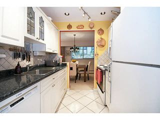 """Photo 9: 101 325 W 3RD Street in North Vancouver: Lower Lonsdale Condo for sale in """"HARBOURVIEW"""" : MLS®# V1110069"""