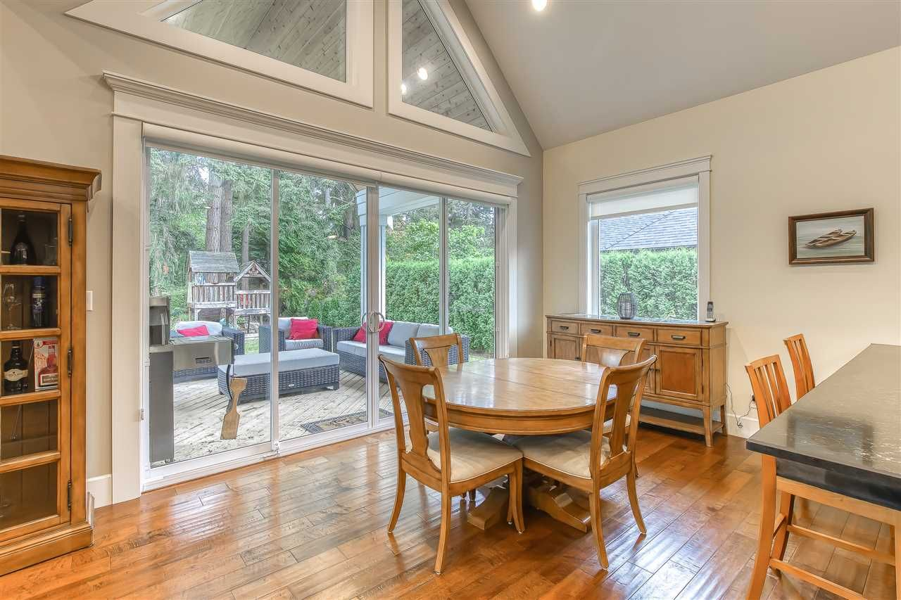 """Photo 17: Photos: 2732 NORTHCREST Drive in Surrey: Sunnyside Park Surrey House for sale in """"Woodshire Park"""" (South Surrey White Rock)  : MLS®# R2543125"""