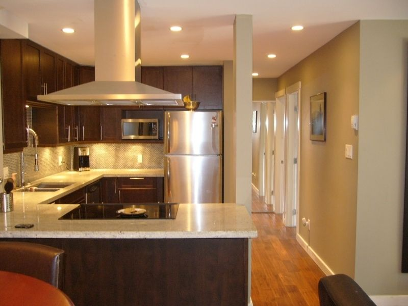 """Main Photo: 112 1424 WALNUT Street in Vancouver: Kitsilano Condo for sale in """"WALNUT PLACE"""" (Vancouver West)  : MLS®# V707285"""