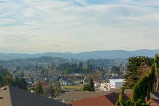 Photo 37: 860 Rainbow Cres in VICTORIA: SE High Quadra House for sale (Saanich East)  : MLS®# 804303