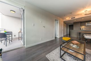 "Photo 16: 305 112 E 13TH Street in North Vancouver: Central Lonsdale Condo for sale in ""CENTREVIEW"" : MLS®# R2535152"