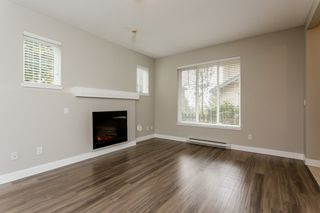 """Photo 4: 17 5839 PANORAMA Drive in Surrey: Sullivan Station Townhouse for sale in """"Forest Gate"""" : MLS®# R2046887"""