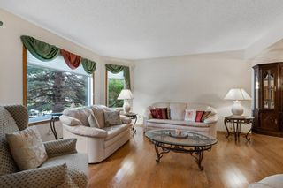 Photo 4: 927 Shawnee Drive SW in Calgary: Shawnee Slopes Detached for sale : MLS®# A1123376