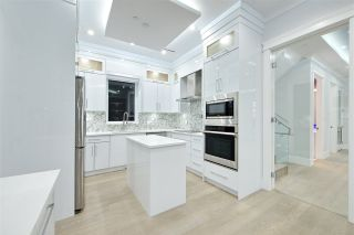 Photo 13: 757 E 59TH Avenue in Vancouver: South Vancouver House for sale (Vancouver East)  : MLS®# R2421313