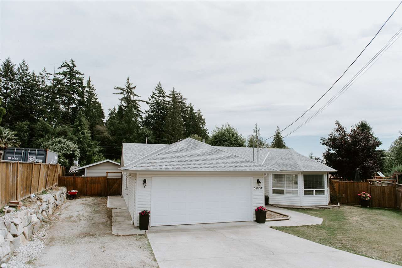 Photo 20: Photos: 5474 CARNABY Place in Sechelt: Sechelt District House for sale (Sunshine Coast)  : MLS®# R2497267