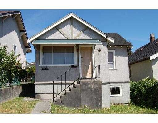 Main Photo: 3233 ADANAC Street in Vancouver: Renfrew VE House for sale (Vancouver East)  : MLS®# V777500