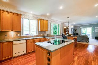 "Photo 4: 1575 BREARLEY Street: White Rock House for sale in ""Centennial Park"" (South Surrey White Rock)  : MLS®# R2477312"