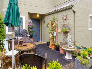"""Photo 10: 1 1285 HARWOOD Street in Vancouver: West End VW Townhouse for sale in """"HARWOOD COURT"""" (Vancouver West)  : MLS®# V943710"""