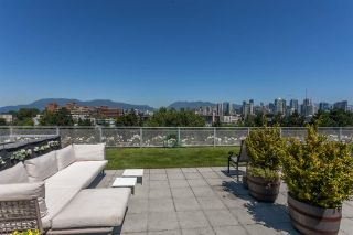 """Photo 14: 512 1540 W 2ND Avenue in Vancouver: False Creek Condo for sale in """"WATERFALL BUILDING BY ARTHER ERI"""" (Vancouver West)  : MLS®# R2186544"""
