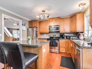 """Photo 8: 5 11534 207 Street in Maple Ridge: Southwest Maple Ridge Townhouse for sale in """"Brittany Court"""" : MLS®# R2439867"""