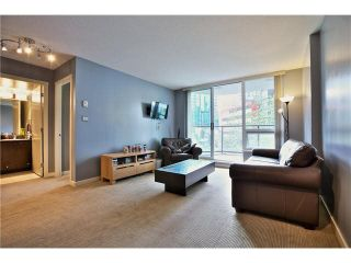 """Photo 7: 307 1212 HOWE Street in Vancouver: Downtown VW Condo for sale in """"1212 HOWE - MIDTOWN"""" (Vancouver West)  : MLS®# V1078871"""