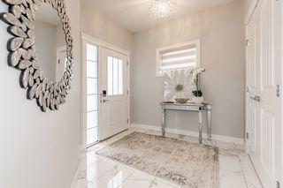 Photo 4: 2929 KOSTASH Drive in Edmonton: Zone 56 House for sale : MLS®# E4243548