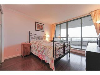 """Photo 10: 1502 6659 SOUTHOAKS Crescent in Burnaby: Highgate Condo for sale in """"GEMINI II"""" (Burnaby South)  : MLS®# V1099936"""