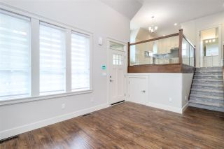 Photo 2: 101 658 HARRISON Avenue in Coquitlam: Coquitlam West Townhouse for sale : MLS®# R2354312