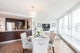 """Main Photo: 1807 918 COOPERAGE Way in Vancouver: Yaletown Condo for sale in """"Mariner"""" (Vancouver West)  : MLS®# R2593427"""
