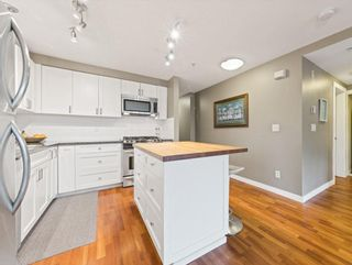 """Photo 10: 6 2780 ALMA Street in Vancouver: Kitsilano Townhouse for sale in """"Twenty on the Park"""" (Vancouver West)  : MLS®# R2575885"""